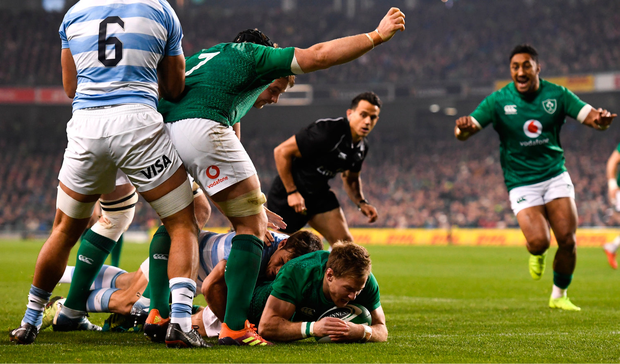 10 November 2018; Kieran Marmion of Ireland celebrates after scoring his side's first try during the Guinness Series International match between Ireland and Argentina at the Aviva Stadium in Dublin. Photo by Ramsey Cardy/Sportsfile