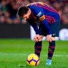 Lionel Messi prepares to shoot a penalty kick. Photo: AFP/Getty