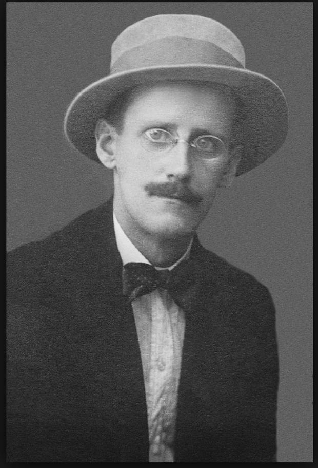 The glasses behind James Joyce's vision of the world when he was writing 'Ulysses' could fetch €15,000 when they go under the hammer next month.