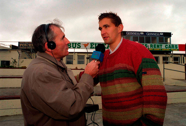 Weeshie Fogarty interviewing one of his favourite players, Maurice Fitzgerald, in Killarney before the 2000 All-Ireland football final. Picture credit; Ray McManus/Sportsfile