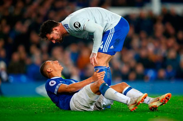 Sean Morrison of Cardiff City confronts Richarlison of Everton. Photo: Clive Brunskill/Getty Images