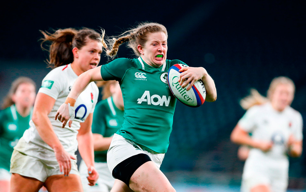 Lauren Delany of Ireland on her way to scoring her side's second try. Photo by Matt Impey/Sportsfile