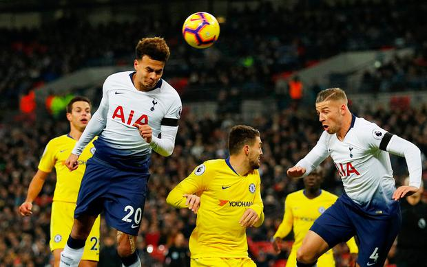 Spurs sink Chelsea as City and Liverpool continue EPL lead
