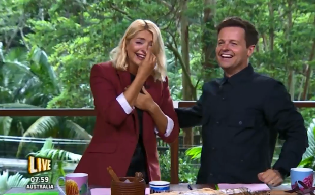I'm A Celeb fans give final verdict on Holly Willoughby as host