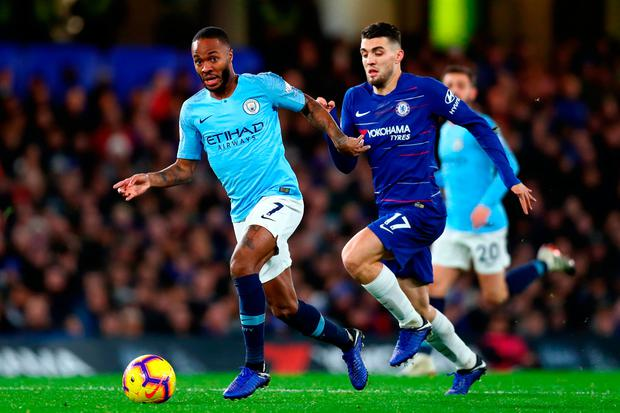 LONDON, ENGLAND - DECEMBER 08: Raheem Sterling of Manchester City is challenged by Mateo Kovacic of Chelsea during the Premier League match between Chelsea FC and Manchester City at Stamford Bridge on December 8, 2018 in London, United Kingdom. (Photo by Clive Rose/Getty Images)