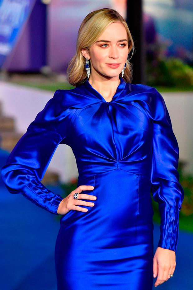 British-US actor Emily Blunt poses upon arrival to attend the European premiere of the film 'Mary Poppins Returns' at The Royal Albert Hall in London on December 12, 2018. (Photo by Niklas HALLEN / AFP)
