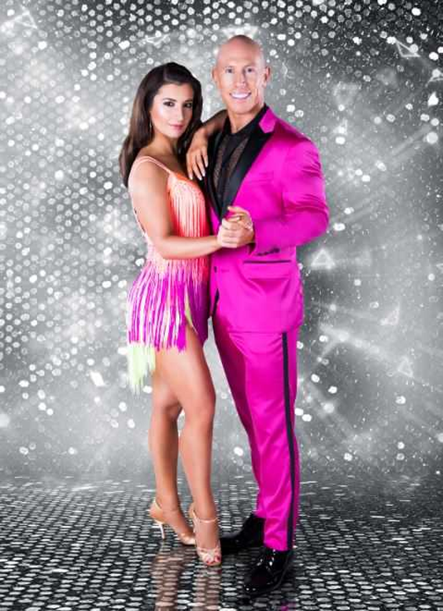 robert dancing with the stars dating partner
