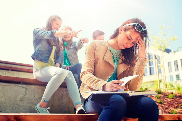 Study stress can make it harder to fit into peer groups