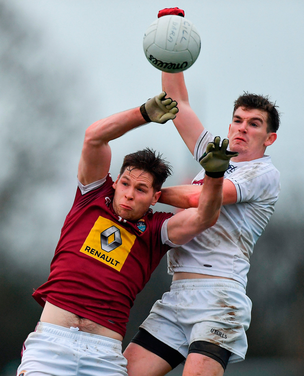 Callum McCormack of Westmeath in action against John O'Toole of Kildare. Photo by Piaras Ó Mídheach/Sportsfile