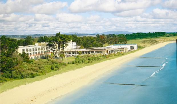 Kelly's Hotel plays a huge part in the sense of the free and easy at Rosslare Strand.