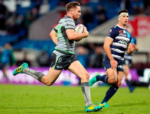 Jack Carty runs in Connacht's fifth try after intercepting a Bordeaux pass. Photo: Manuel Blondeau/Sportsfile