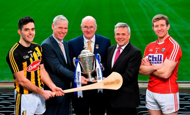In attendance at the launch of the Allianz Hurling Leagues were from left, Paddy Deegan of Kilkenny, Peter Kilcullen, Chief Customer Officer, Allianz Ireland, Uachtaráin Cumann Lúthchleas Gael John Horan, Sean McGrath, CEO, Allianz Ireland, and Bill Cooper of Cork, with the Allianz Hurling League Division 1 trophy. Photo by Brendan Moran/Sportsfile
