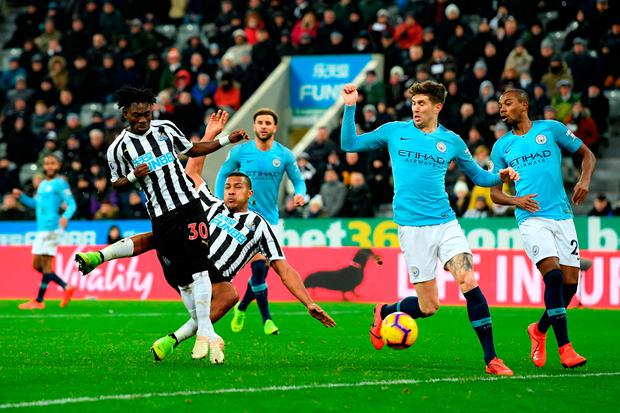 Salomon Rondon scores the equaliser for Newcastle United. Photo: Stu Forster/Getty Images