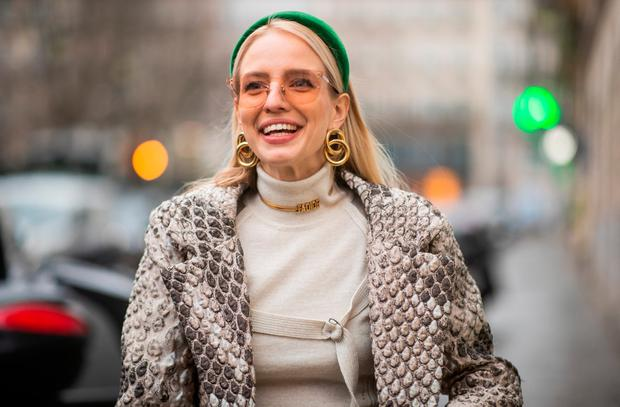 de1ce3187 Leonie Hanne is seen wearing green Prada head band, Dior necklace, earings,  turtleneck