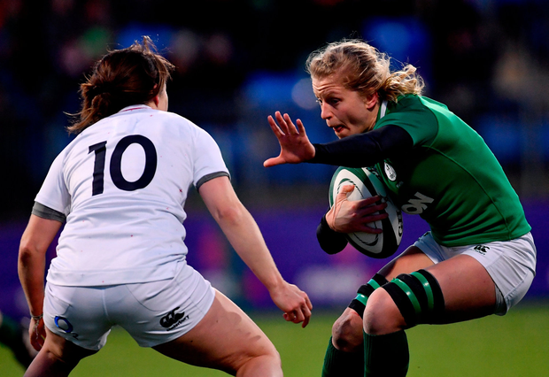 Claire Molloy of Ireland in action against Katy Daley-Mclean of England. Photo by Ramsey Cardy/Sportsfile