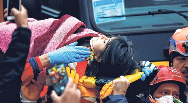 Saved: Girl (5) found in rubble 18 hours after building collapsed