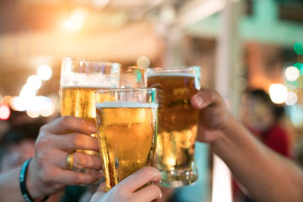 The price of alcohol and food in pubs and restaurants increased last month as the hospitality sector passed on higher taxes. Stock Image