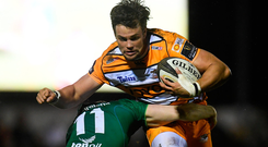 Nico Lee of Toyota Cheetahs is tackled by Stephen Fitzgerald of Connacht. Photo by Harry Murphy/Sportsfile