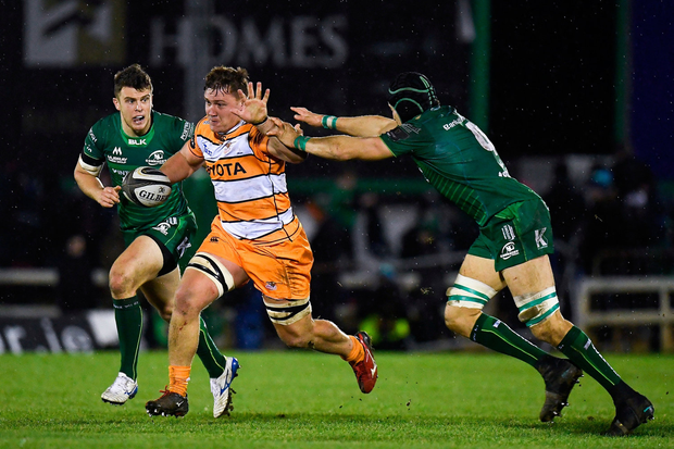 Jasper Wiese of Toyota Cheetahs is tackled by Ultan Dillane of Connacht. Photo by Harry Murphy/Sportsfile