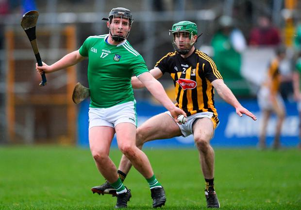 Rising tide on Shannonside: Peter Casey of Limerick taking possession ahead of Kilkenny defender Tommy Walsh at Nowlan Park on Sunday. Photo: Piaras Ó Mídheach/Sportsfile