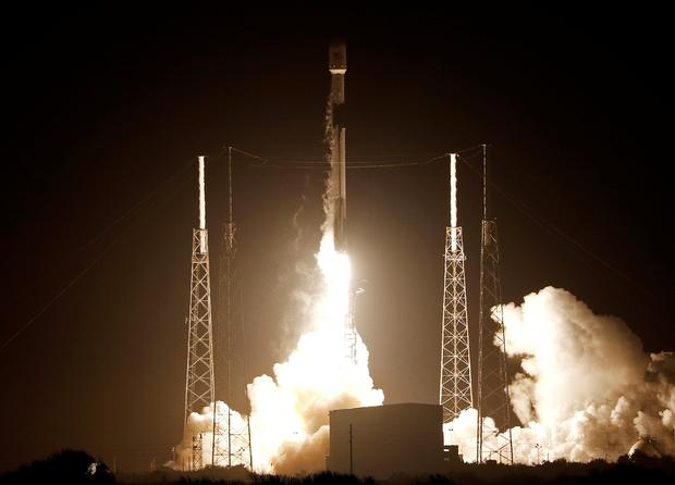 A SpaceX Falcon 9 rocket carrying Israel's first spacecraft designed to land on the moon lifts off on the first privately-funded lunar mission at the Cape Canaveral Air Force Station in Cape Canaveral, Florida, U.S., February 21, 2019. REUTERS/Joe Skipper
