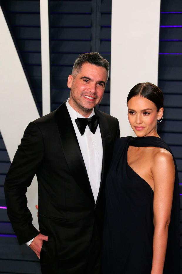 Cash Warren (L) and Jessica Alba arrive for the 2019 Vanity Fair Oscar Party at the Wallis Annenberg Center for the Performing Arts on February 24, 2019 in Beverly Hills, California. (Photo by JB Lacroix / AFP)