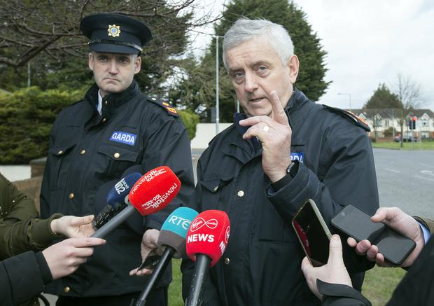 Garda Superintendent Liam Carolan from Blanchardstown briefs the media on the shhoting of Lee Boylan in Blakestown. Photo: Tony Gavin