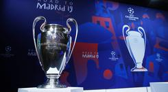 General view of the trophy before the draw