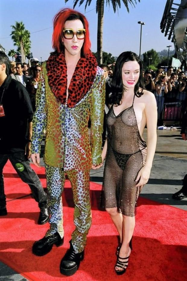 Marilyn Manson and Rose McGowan in 1998