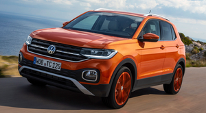FUNKY T-CROSS: Two-tone seat surfaces and central console in a matching tone are optional