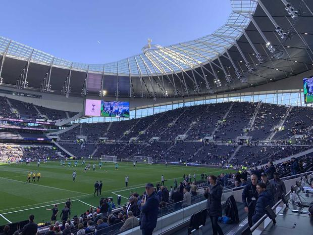 Bennett scores 1st-ever goal at new Tottenham stadium