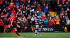 Joe Schmidt will have been lamenting the valuable game-time lost to Joey Carbery, his back-up man to Johnny Sexton. Yet he had to be impressed with the composure of Tyler Bleyendaal. Photo: Diarmuid Greene/Sportsfile