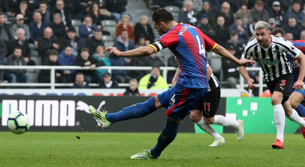 Crystal Palace's Luka Milivojevic scores his side's winning goal from the penalty spot. Photo: Scott Heppell/Reuters