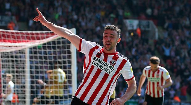 Ireland's Enda Stevens on target as Sheffield United keep up pressure on Leeds with crunch win