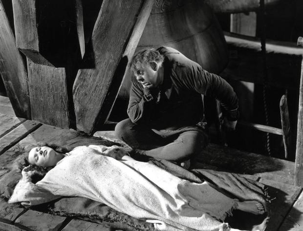 Charles Laughton and Maureen O'Hara in a scene from the 1939 movie 'The Hunchback of Notre Dame'