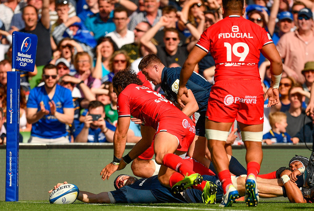 Scott Fardy of Leinster scores his side's 3rd try during the Heineken Champions Cup Semi-Final match between Leinster and Toulouse at the Aviva Stadium in Dublin. Photo: Brendan Moran/Sportsfile