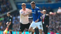 Gylfi Sigurdsson in action against Nemanja Matic