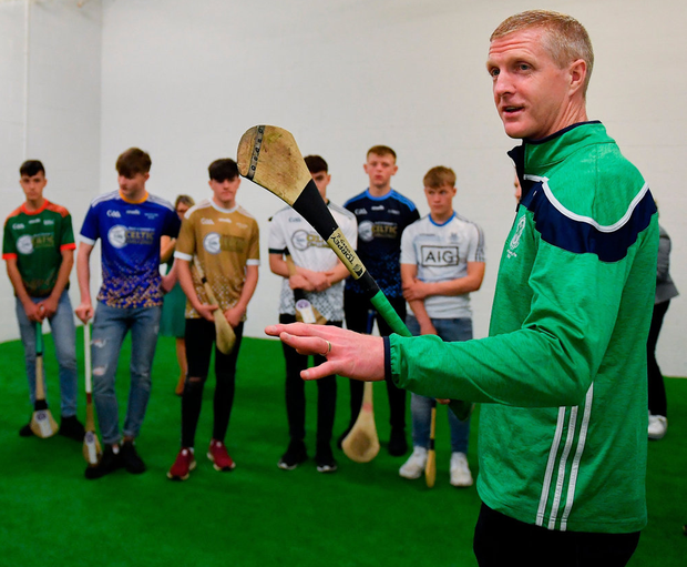 Ballyhale Shamrocks manager Henry Shefflin passing on his advice during a coaching session at yesterday's launch of the Bank of Ireland Celtic Challenge 2019 at Croke Park. Photo: Piaras Ó Mídheach/Sportsfile