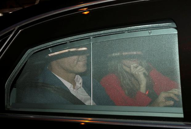 Spain's Prime Minister and Socialist Workers' Party (PSOE) candidate Pedro Sanchez and his wife Begona Gomez arrive at the party's headquarters to wait for the announcement of the results in Spain's general election in Madrid, Spain, April 28, 2019. REUTERS/Sergio Perez