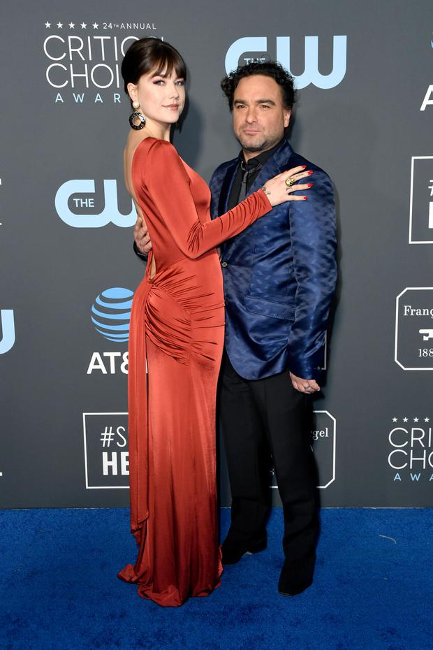 Alaina Meyer (L) and Johnny Galecki attend the 24th annual Critics' Choice Awards at Barker Hangar on January 13, 2019 in Santa Monica, California. (Photo by Frazer Harrison/Getty Images)
