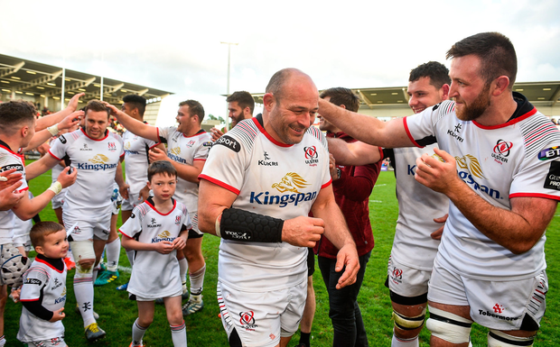 Players form a guard of honour for Best and Darren Cave after their final home game. Photo by David Fitzgerald/Sportsfile