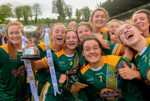 Meath players celebrate with the cup. Photo by Oliver McVeigh/Sportsfile