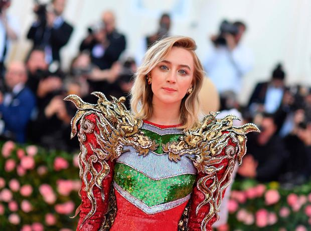 US/Irish actress Saoirse Ronan arrives for the 2019 Met Gala at the Metropolitan Museum of Art on May 6, 2019, in New York. - The Gala raises money for the Metropolitan Museum of Arts Costume Institute. The Gala's 2019 theme is Camp: Notes on Fashion