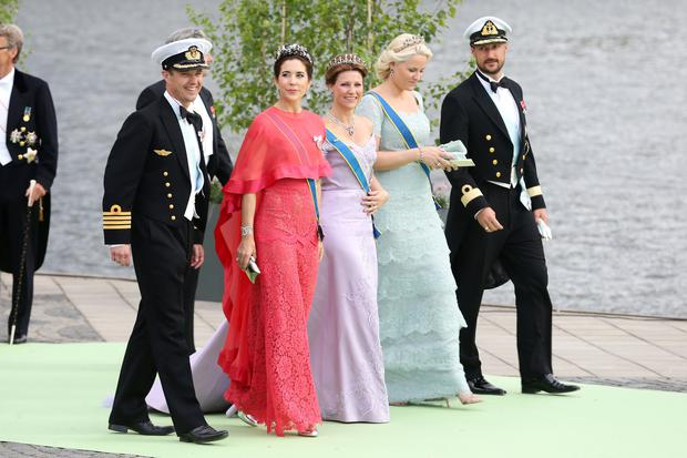 (L-R) Crown Prince Frederik of Denmark, Crown Princess Mary of Denmark, Princess Martha Louise of Norway, Crown Princess Mette-Marit of Norway and Crown Prince Haakon of Norway depart for the banquet after the wedding ceremony of Princess Madeleine of Sweden and Christopher O'Neill hosted by King Carl Gustaf XIV and Queen Silvia at The Royal Palace on June 8, 2013 in Stockholm, Sweden. (Photo by Vittorio Zunino Celotto/Getty Images)