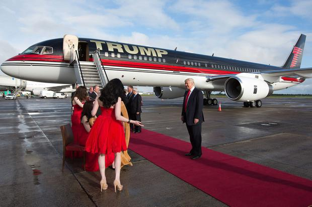 Céad míle fáilte: Donald Trump is welcomed to Shannon Airport in 2014 on his last trip to Ireland. Photo: Sean curtin