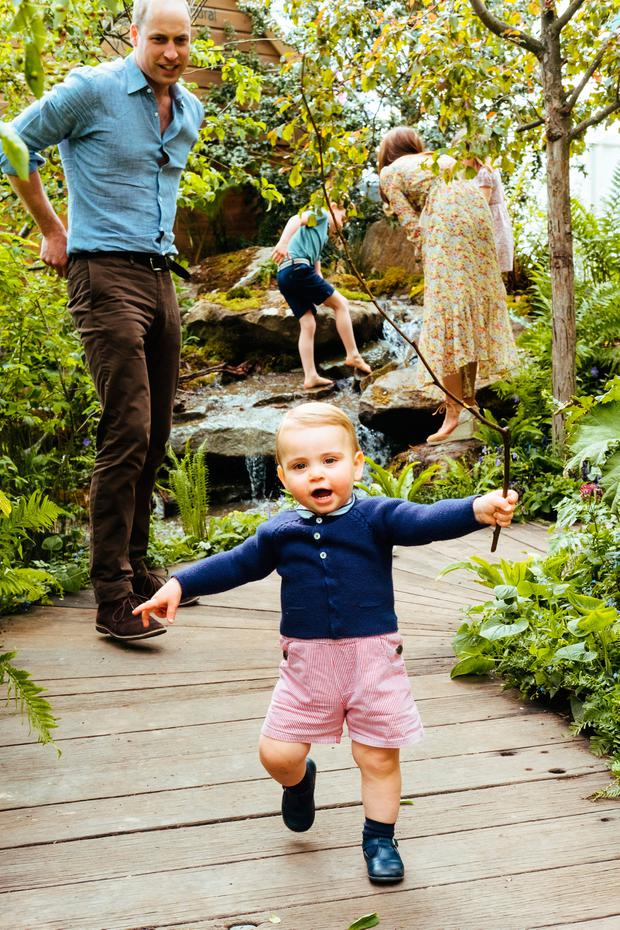 Catherine, Duchess of Cambridge, Prince William, Duke of Cambridge and their children Prince George, Princess Charlotte and Prince Louis in the Adam White and Andree Davies co-designed garden ahead of the RHS Chelsea Flower Show, on May 19, 2019 in London, England. (Photo by Matt Porteous/Kensington Palace via Getty Images)