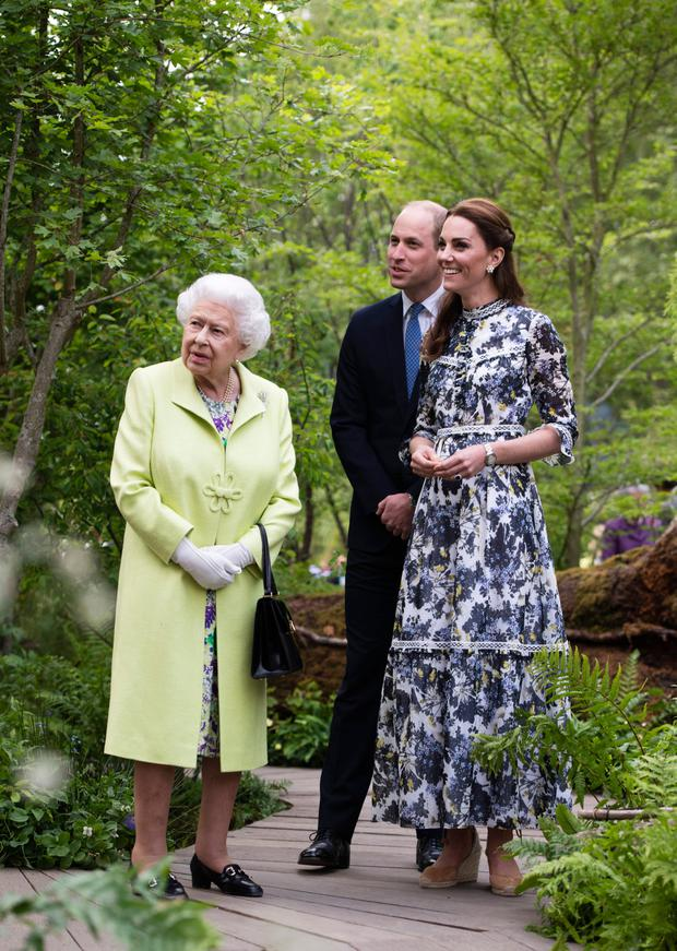Queen Elizabeth II is shown around 'Back to Nature' by Prince William and Catherine, Duchess of Cambridge at the RHS Chelsea Flower Show 2019 press day at Chelsea Flower Show on May 20, 2019 in London, England. (Photo by Geoff Pugh - WPA Pool/Getty Images)