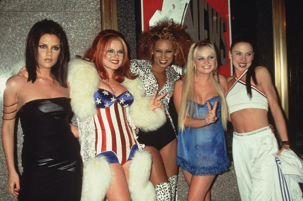 1997: Group portrait of the British pop group The Spice Girls at the MTV Video Music Awards, Radio City Music Hall, New York City