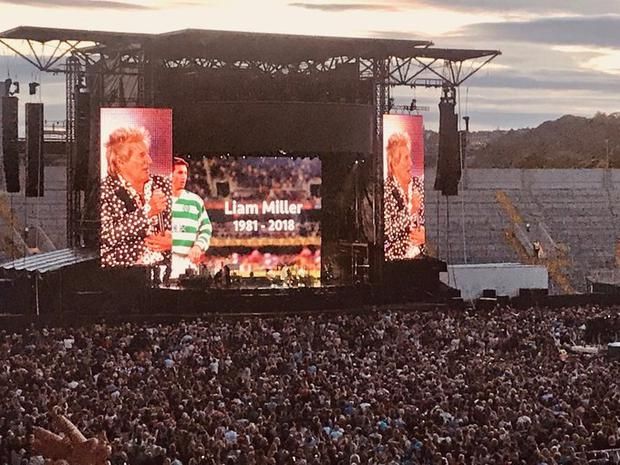 Rod Stewart paid tribute to the late Liam Miller. Pic: @ClaireMc_C