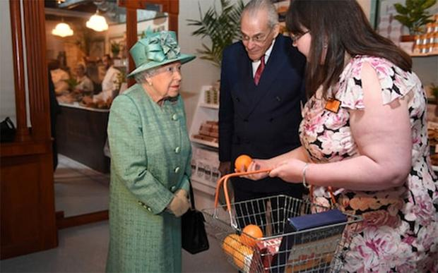 The queen was bemused by modern shopping.